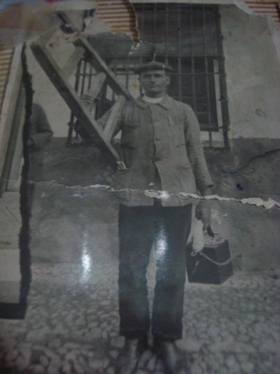 Eugenio Vélez. Sus restos no se han identificado aún. Su familia le espera