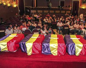 Los restos y el Salón de Actos del Ateneo de Madrid. Foto: Diario Jaén