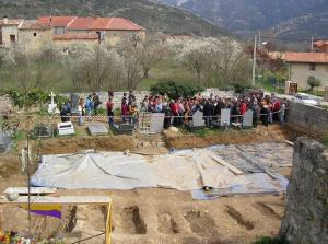 Reunión de la Agrupación en 2007, ante la exhumación